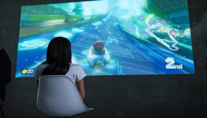 What should you look for in a projector for a PlayStation?