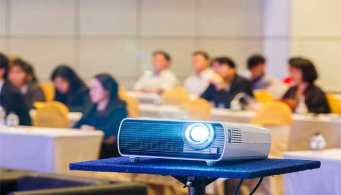 benefits of Using Projectors in the Classroom