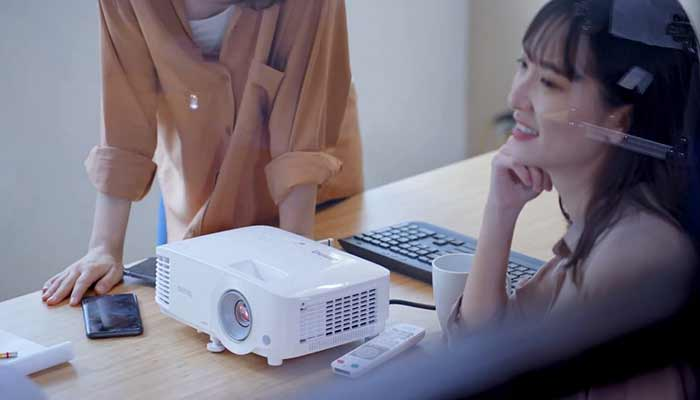 use a projector in your home theatre