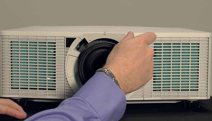 How to Clean a Projector