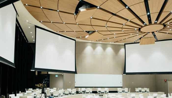 Rolling projector screens