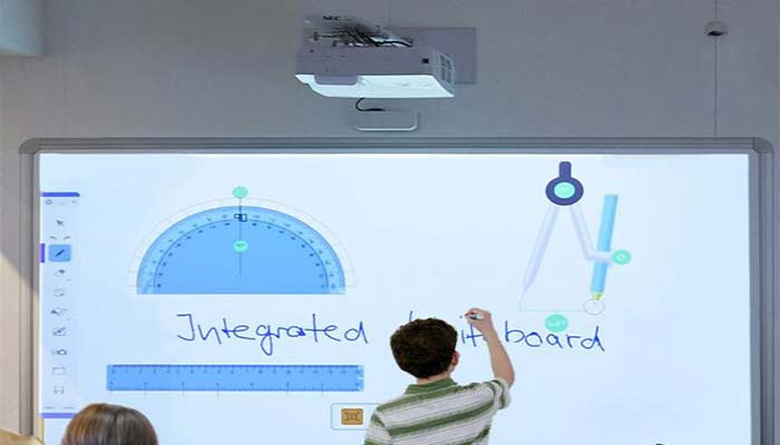 How to buy the best Interactive Projector