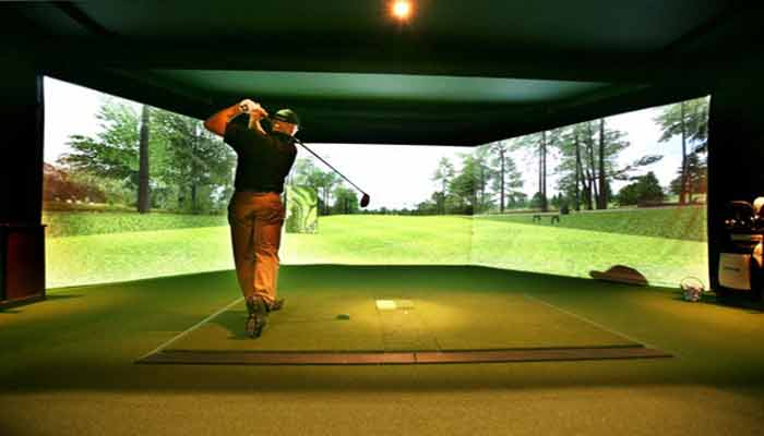 How to choose the best projector for a golf simulator?